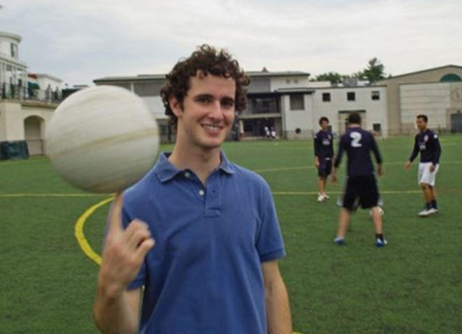 Drew Chafez – Love.Futbol